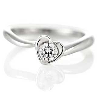 ハートの婚約指輪