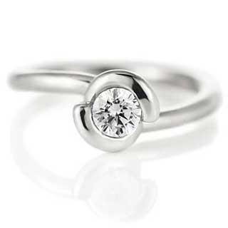 丸い婚約指輪
