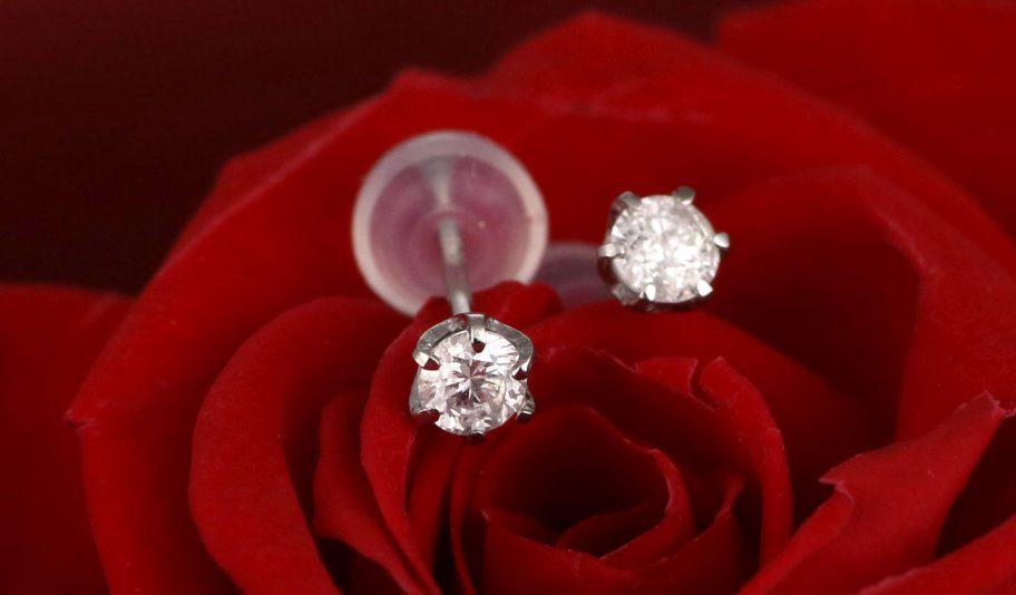 お役立ちトピックス『高品質で満足できるダイヤモンドピアスを手にしたい方へ』のページを公開しました!