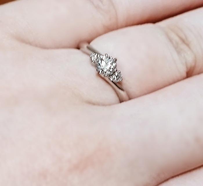こちらの希望に合う様々な商品を提案してくれて、全体的に質がよい指輪が低価格で提供されています