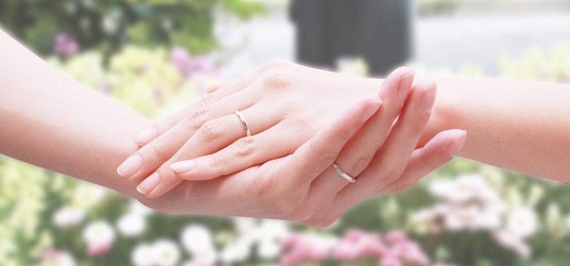 お役立ちトピックス『人気の婚約指輪のデザインは?価格を左右するダイヤ品質と選び方』のページを公開しました!
