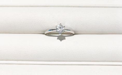 宝石の専門店であり、ダイヤモンドも質の良いものを使用しており、値段が控えめ