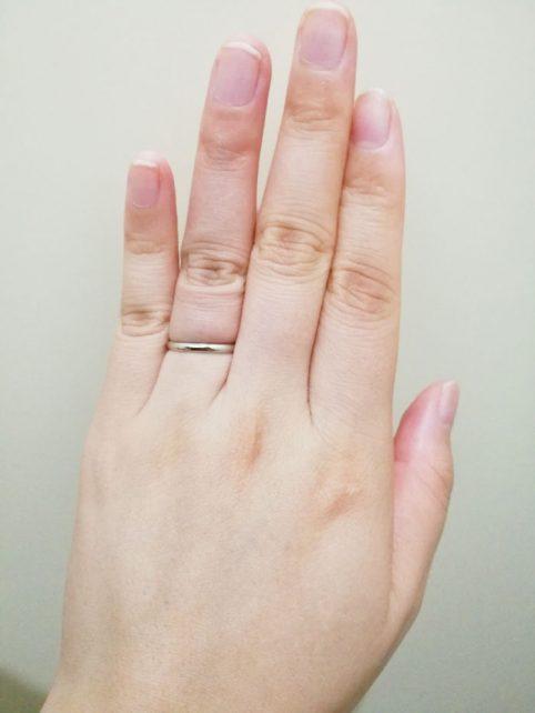 シンプルなデザインからお洒落、可愛いものまで色々な指輪があり、あまり予算をかけたくない二人におすすめ
