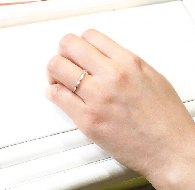 費用がかさむ時期に婚約指輪をリーズナブルに購入できて本当によかったです。